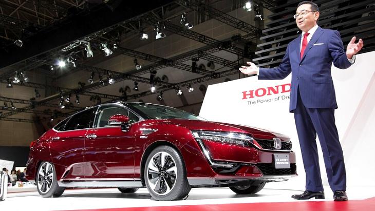 Honda Clarity Fuel Cell в Токио