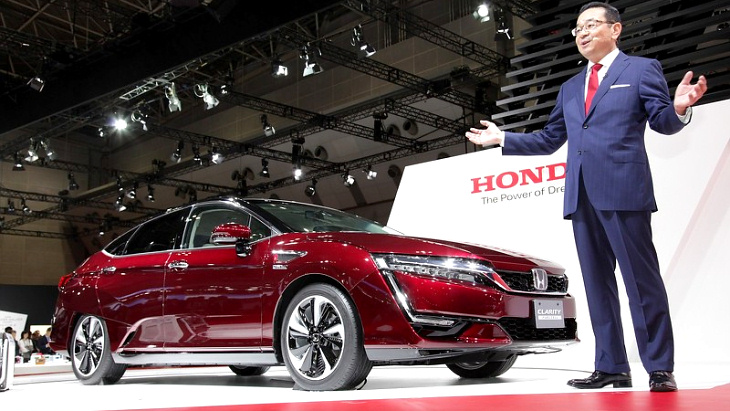 Honda Clarity Fuel Cell в Токио