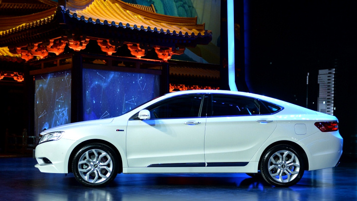Седан Geely GC9 назван лучшим в Китае