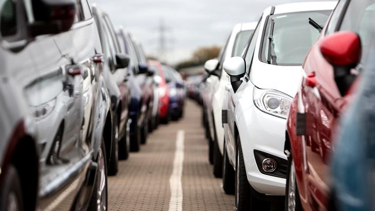 Апрельские продажи автомобилей стали худшими за 10 лет