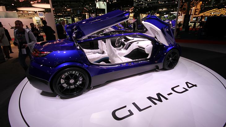 Японцы привезли вПариж электрический кабриолет GLM-G4