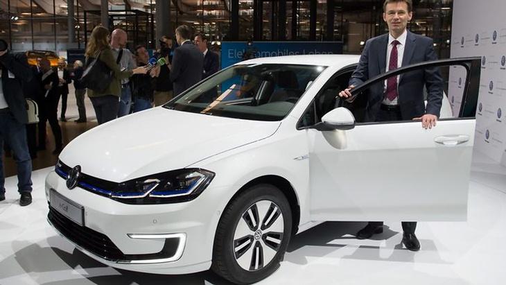 Состоялась официальная премьера улучшенного VW e-Golf