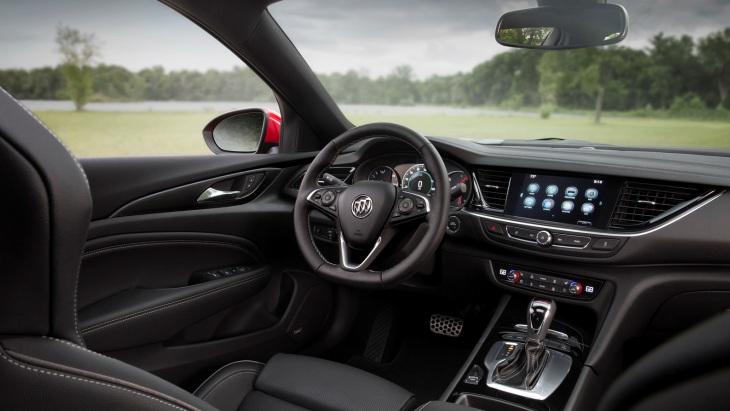 Горячая четырехдверка»: официально представлен новый Buick Regal GS - новости