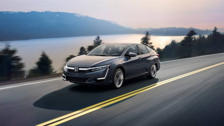 Гибридный седан Honda Clarity Plug-in Hybrid