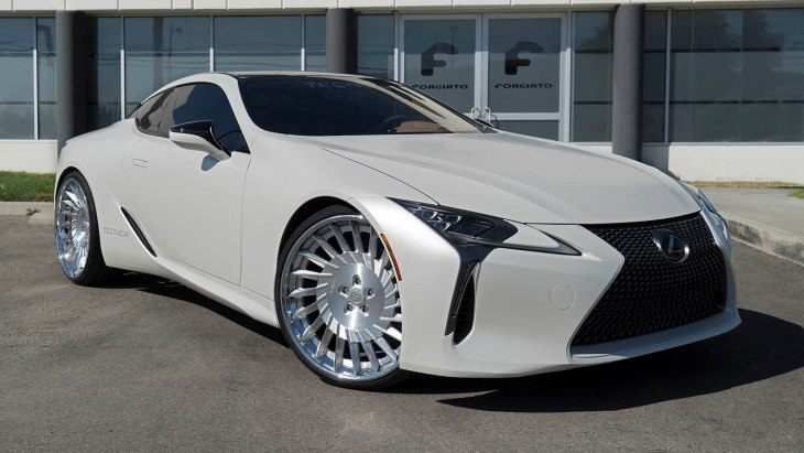 Купе Lexus LC500 на колёсах Forgiato