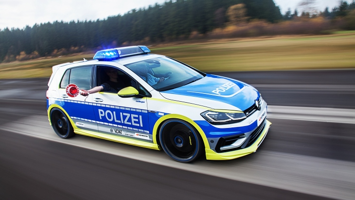 Полицейский Oettinger Volkswagen Golf 400R «Tune it! Safe!» Concept