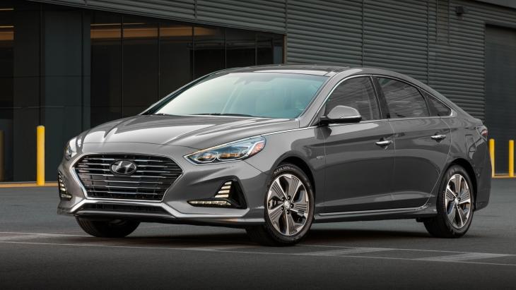 Обновлённый седан Hyundai Sonata Hybrid