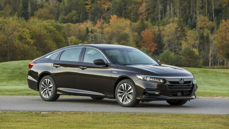 Гибридный седан Honda Accord Hybrid нового поколения