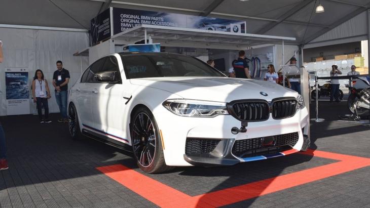 «Заряженный» седан BMW M5 M Performance
