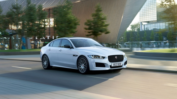 Седан Jaguar XE Landmark Edition