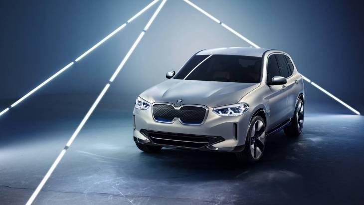 Электрический кроссовер BMW Concept iX3
