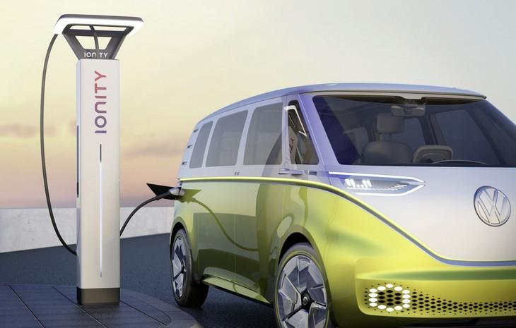 VW готовит к выпуску электрического близнеца Touareg для борьбы с Tesla X