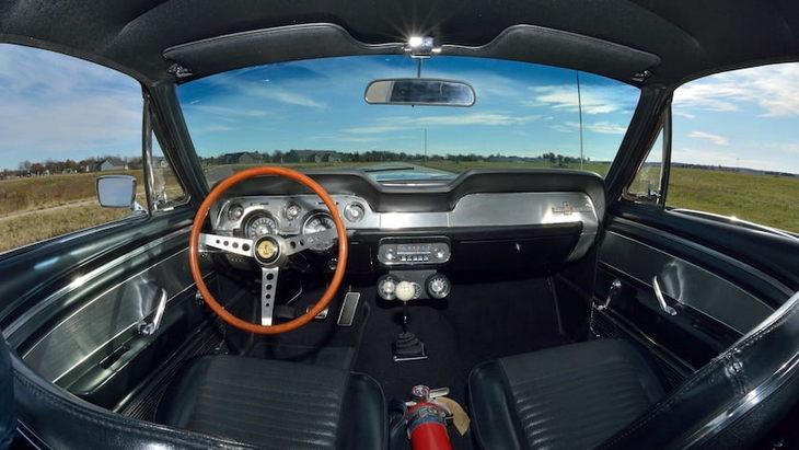 Самый дорогой Mustang продали на аукционе за 2,2 миллиона долларов