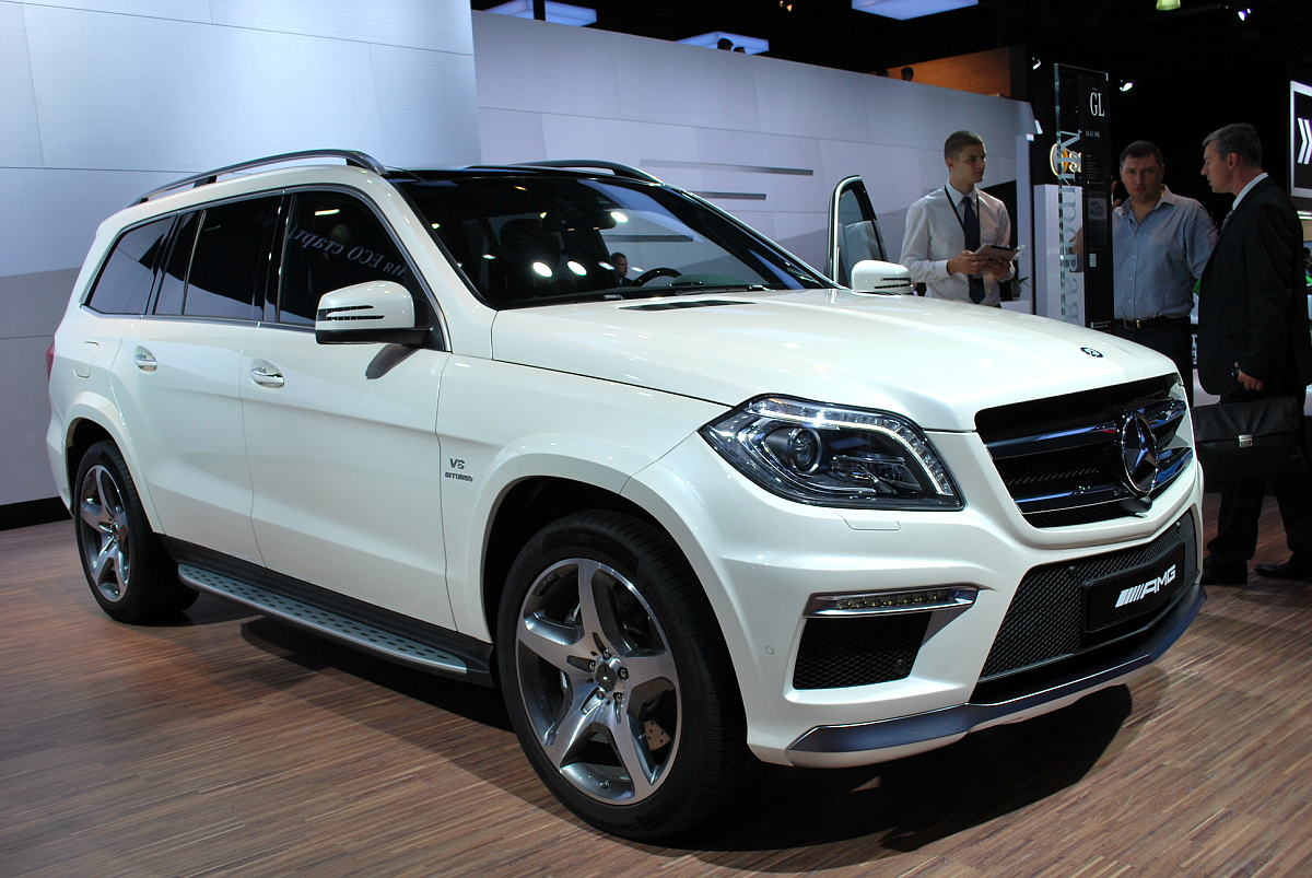 Mercedes gl pictures to pin on pinterest best car review for Mercedes benz gl63
